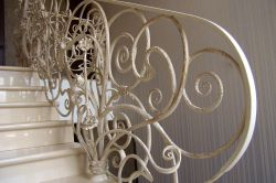Staircase fencing